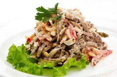 Салат мясной с перцем