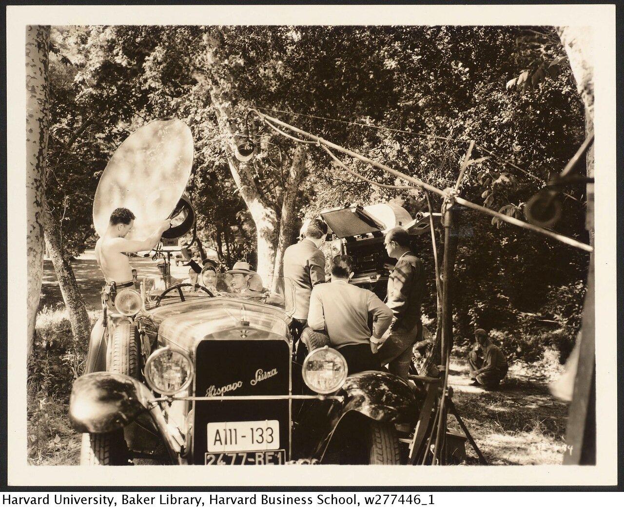 1929. Съемки актеров в автомобиле