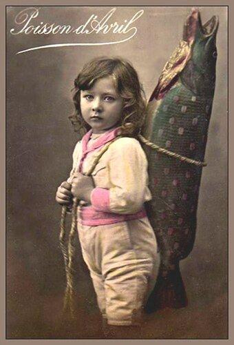 1 апреля. Мальчик с рыбой открытка поздравление картинка