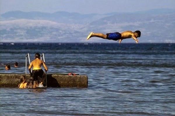 Радостные фотографии прыгающих людей и животных 0 130949 20e7c6f1 orig