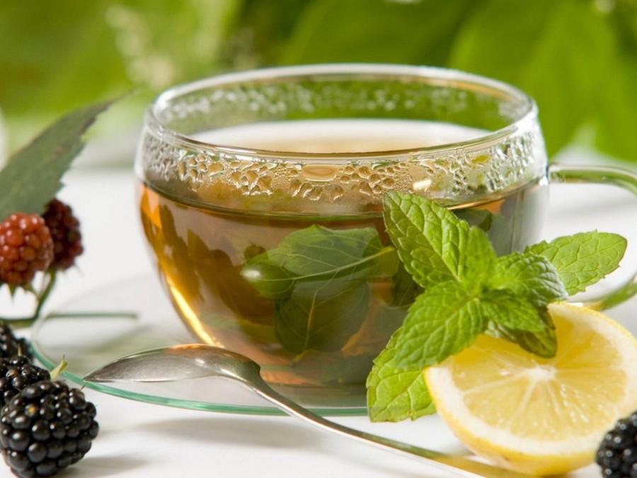 9. Зеленый чай Для улучшения пищеварения важно не только следить за тем, что лежит у вас в тарелке,