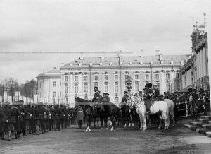 Император Николай II во время смотра молодых солдат (призыва 1912года) 3-го стрелкового полка.