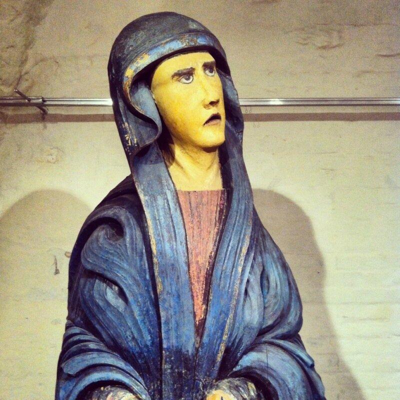 Деревянная скульптура в МУАРе