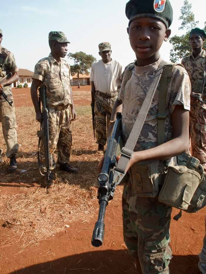 Дети солдаты - Мозамбик