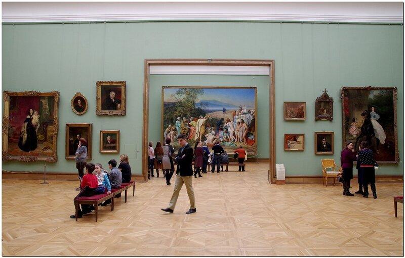 Зал Третьяковской галереи.
