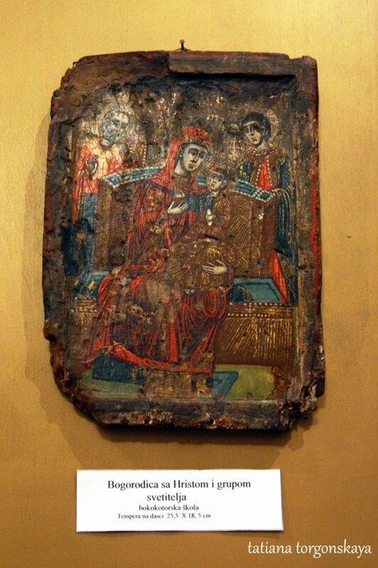 Богородица с Христом и группой святых