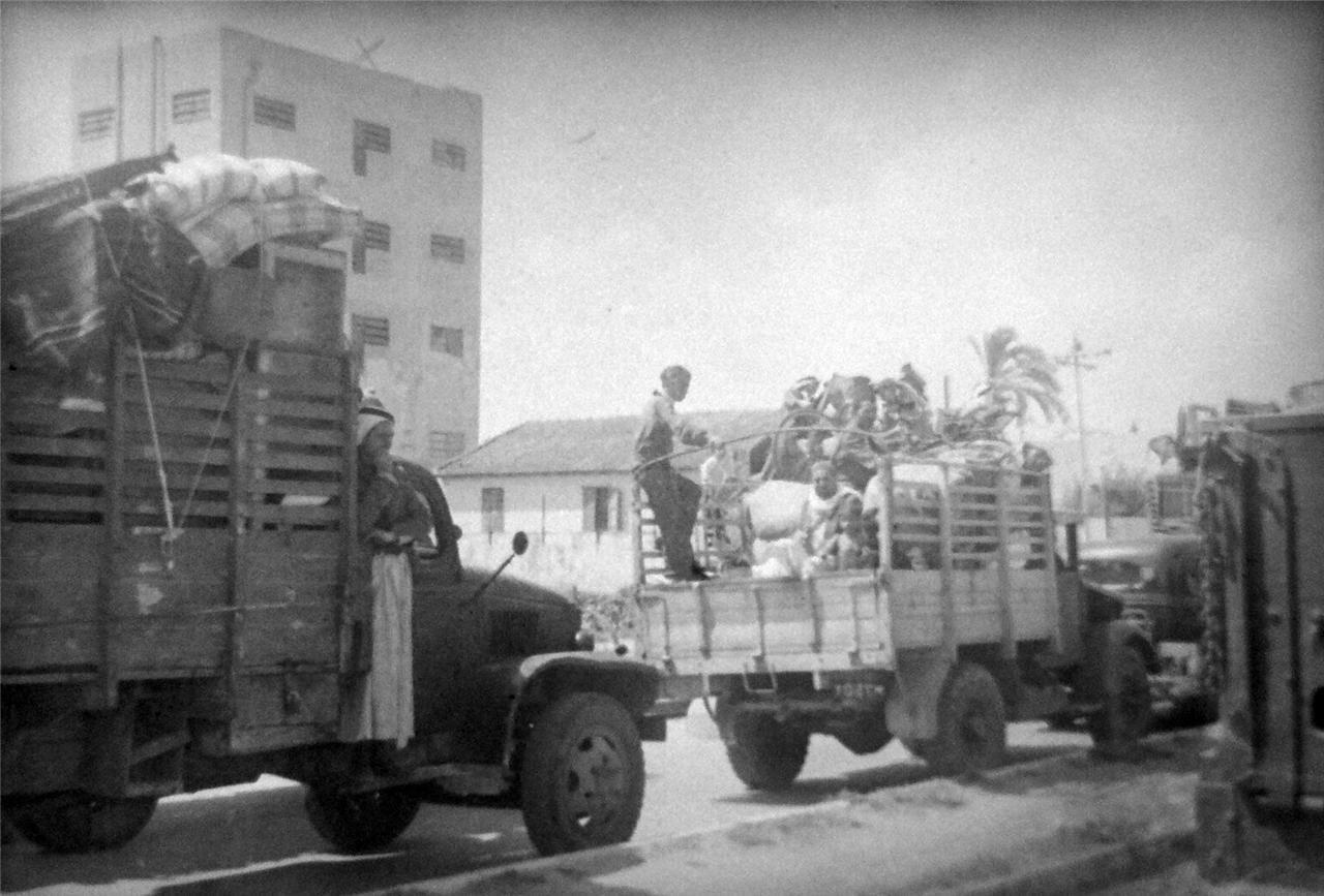1948. Яффо, колонна беженцев