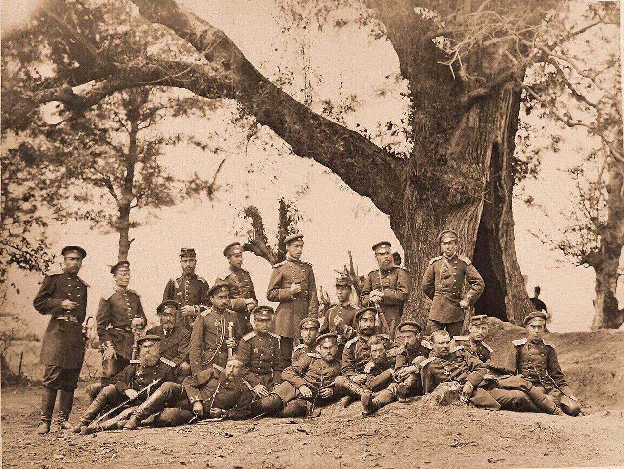 Группа офицеров 1-го Кавказского Стрелкового великого князя Михаила Николаевича батальона