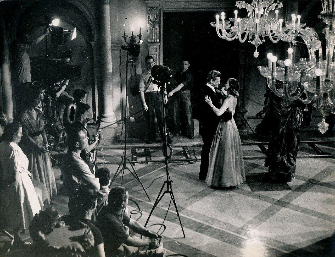 1950.  Жан Маре, Мишель Морган и Рене Клеман на съемках «Стеклянного замка»
