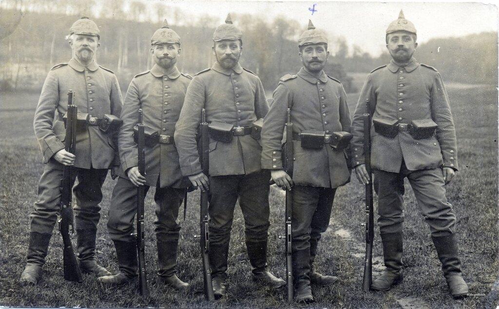 Five men from the 75th Landwehr Infanterie Regiment
