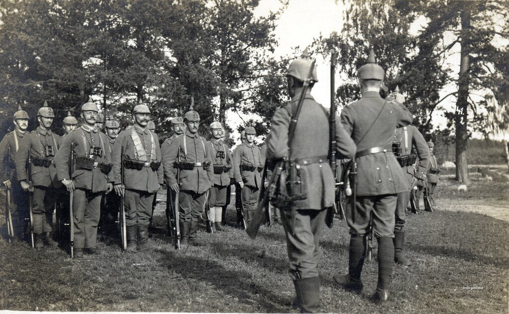 Nothing on reverse.  NCOs of Landsturm Infanterie Regiment 11 formed up and ready for inspection. L.I.R. Nr. 11 comprised of Landsturm Infanterie Bataillons (XI - 22) and (XI - 23), although there appears to be an interloper from (XI - 27 Ers. Bn. 'Ohrd