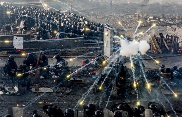 Киев мирный и в огне