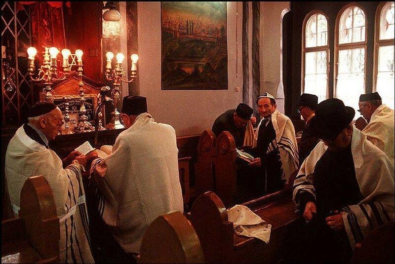 Синагога в городе Черновцы. 1988 год.