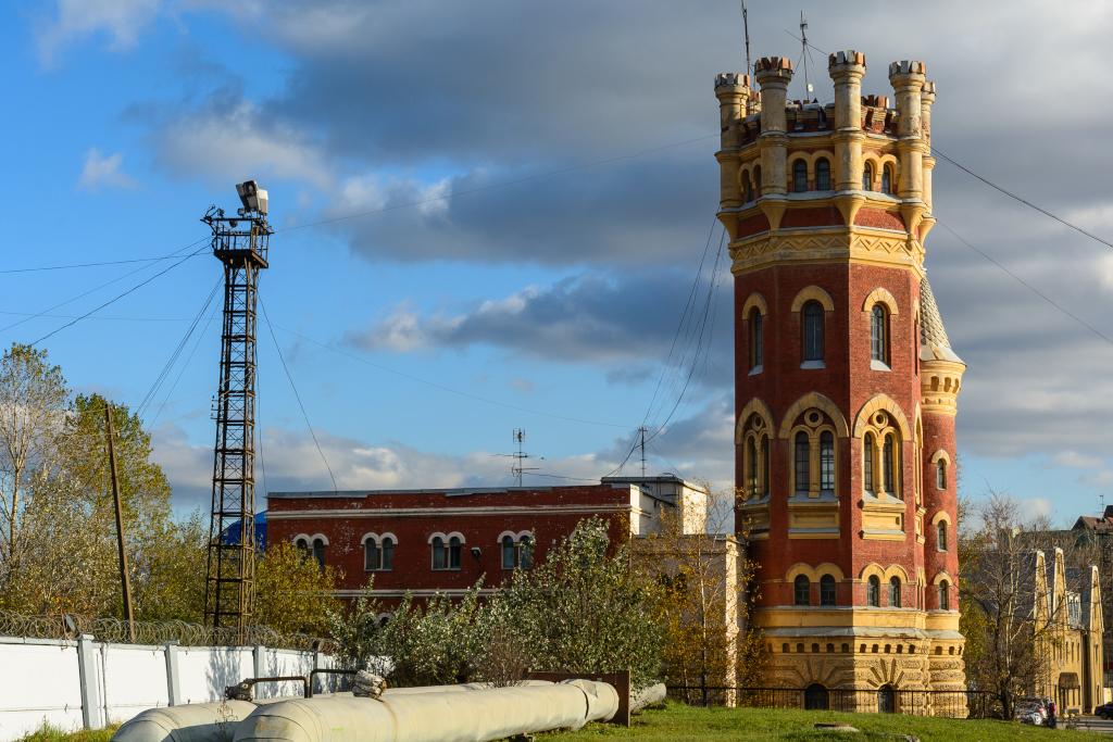 Водонапорная башня за володарским мостом