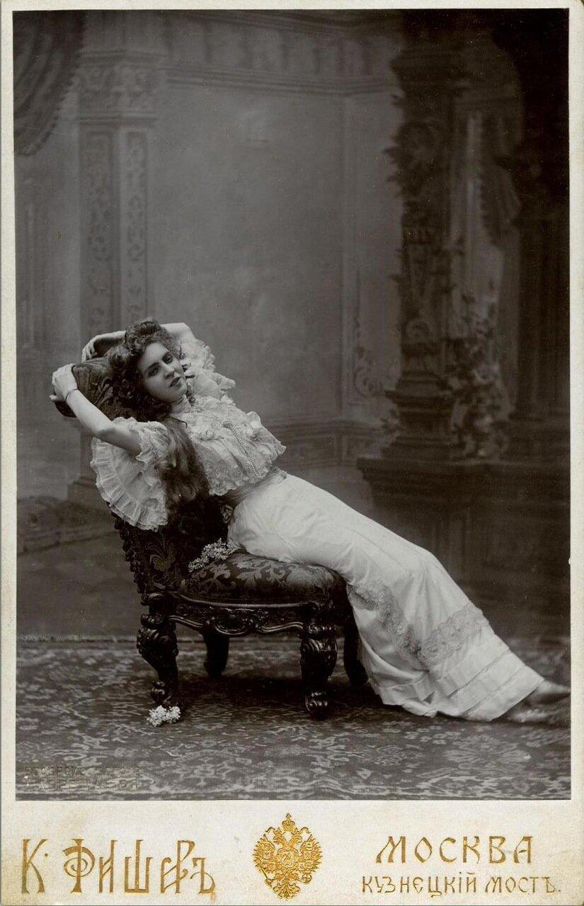 Ольга Владимировна Гзовская (10 (23) октября 1883, Москва — 2 июля 1962, Ленинград) — известная актриса театра и кино.