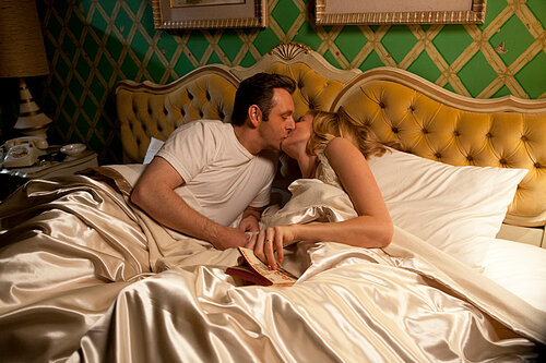 Michael Sheen as Dr. William Masters and Caitlin Fitzgerald as Libby Masters in Masters of Sex (season 1, episode 6) - Photo: Patrick Wymore/SHOWTIME - Photo ID: MastersofSex_106_2900