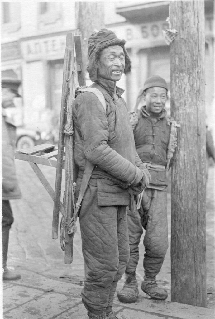 Chinese coolies, Vladivostok, 1919-20. Photo by Merill Haskell