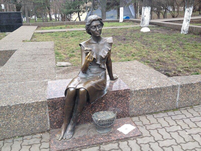 Фото памятника цветочницы гранитная мастерская в москве эксклюзив стоун