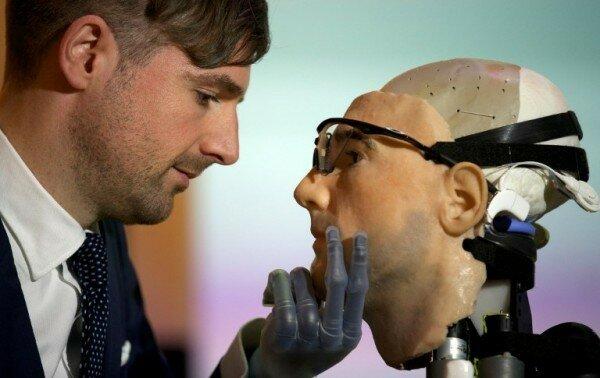 бионический человек