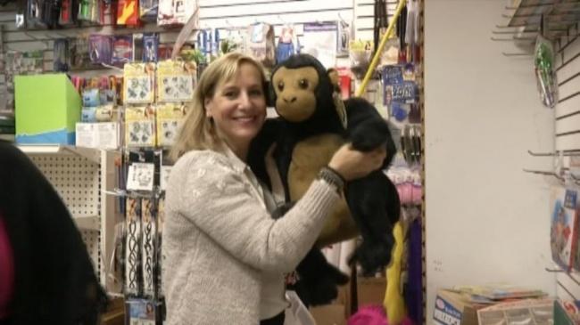 Кэрол Сачман изНью-Йорка купила магазин игрушек, который находился награни банкротства. Весь товар