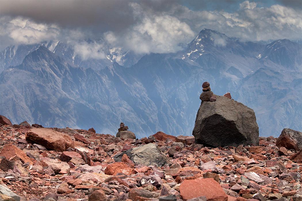 камни-маяки для альпинистов