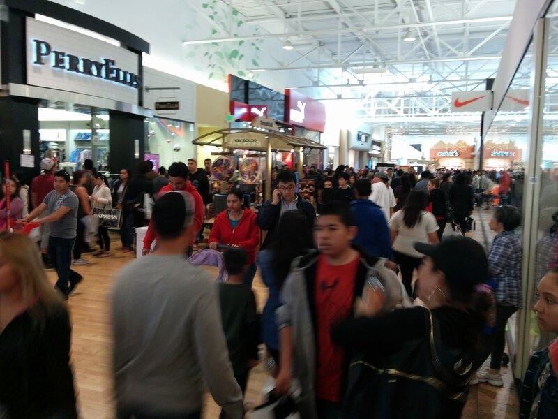 black friday 2013, great mall california; чёрная пятница 2013