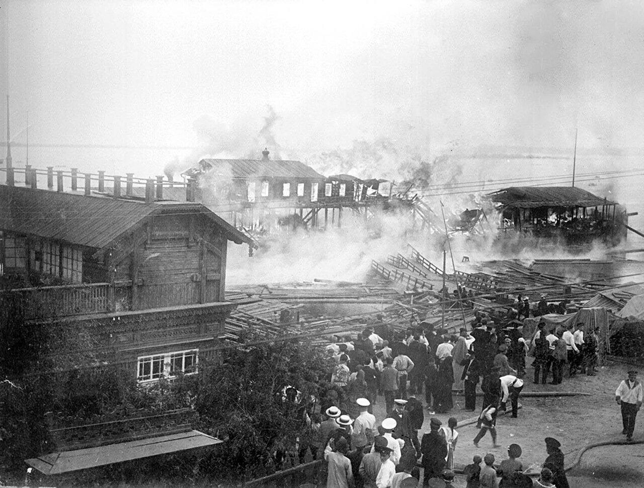Пожар на пристани