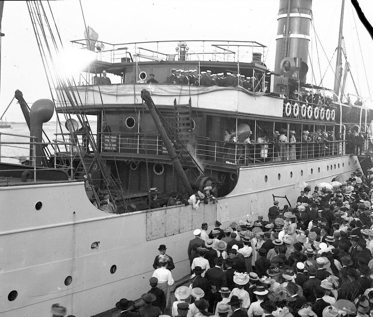 Южная гавань, пароход «Арктур»