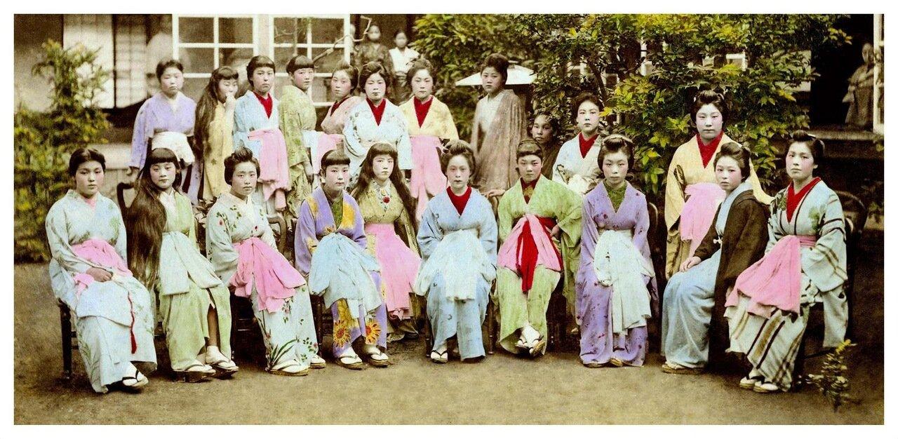 1897. Проститутки борделя №9 в  Канагава