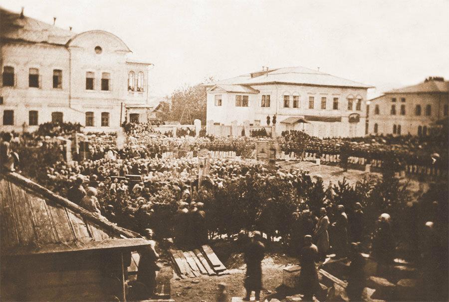 Церемония закладки часовни Христа Спасителя. Фото А. К. Гофмана. 1866