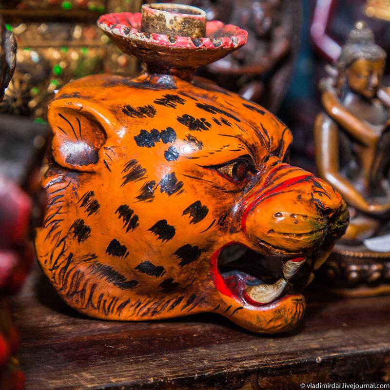Леопардовый подсвечник