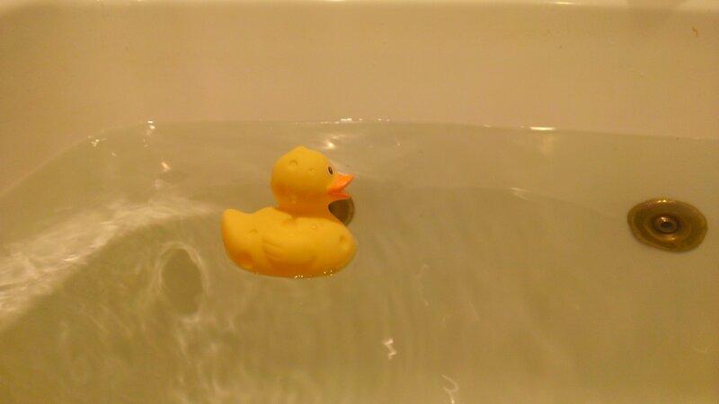 уточка в ванной фото