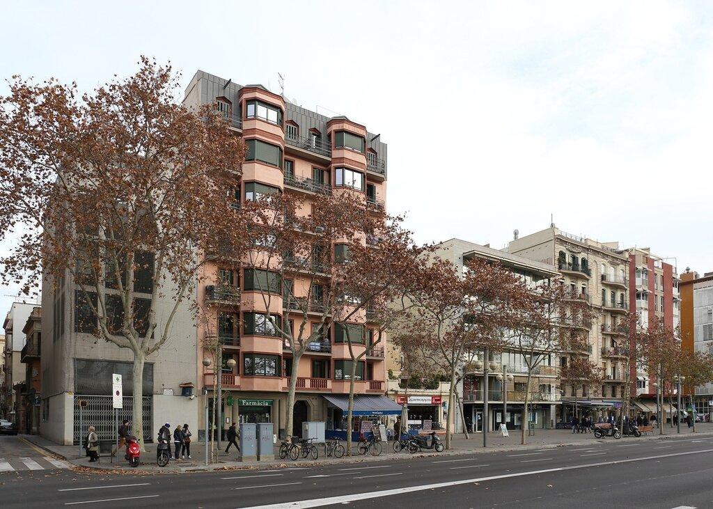 Барселона.  Квартал Барселонета. /Passeig de Joan de Borbó. Barcelona, Batceloneta
