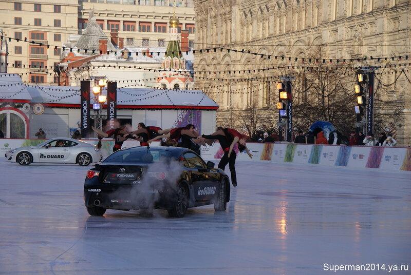 Ледовое дрифт-шоу на Красной площади