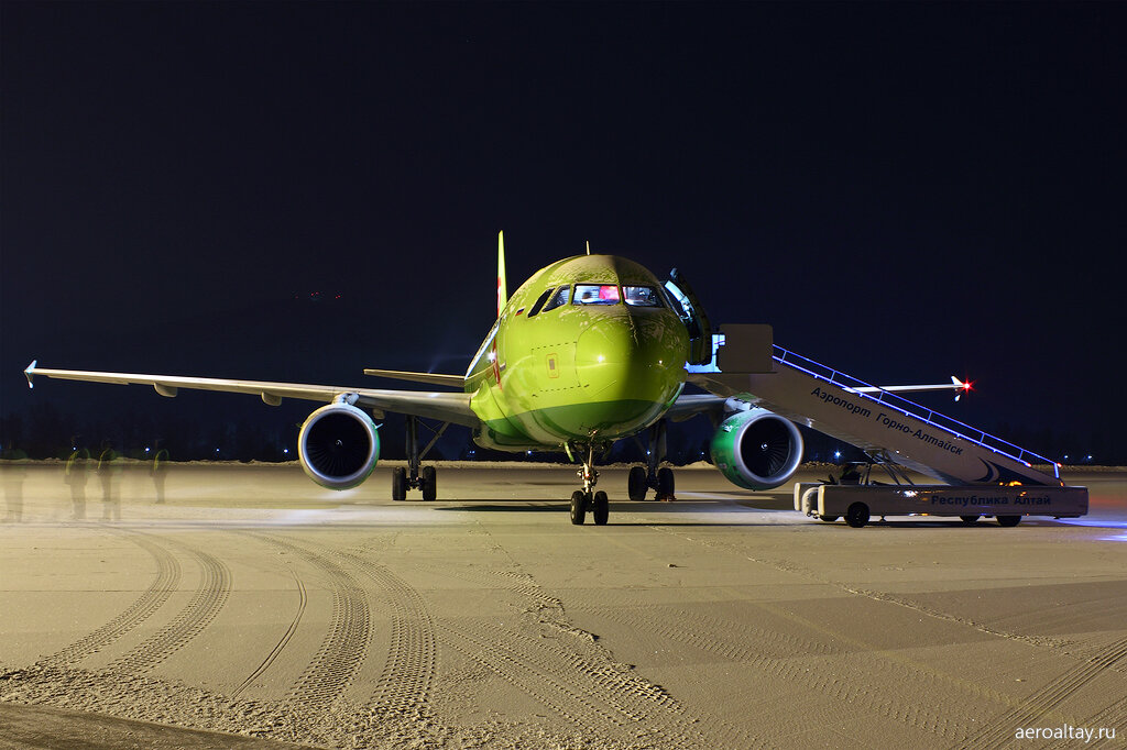 Аэробус А 319-114 VP-BHF компании S7 в аэропорту Горно-Алтайска
