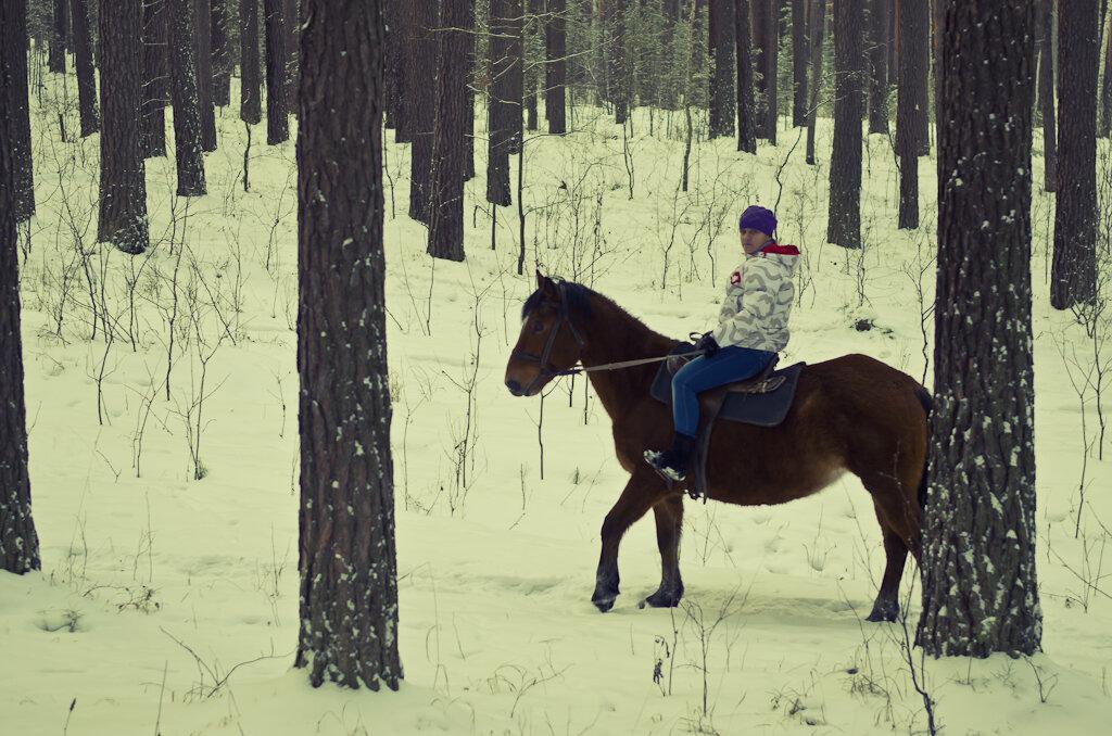 3. Верховая езда. Уральская амазонка :)