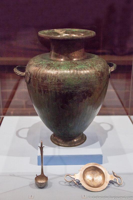 Гидрия. Бронза. Середина VI до н.э. Сосуд для смешивания вина с водой.