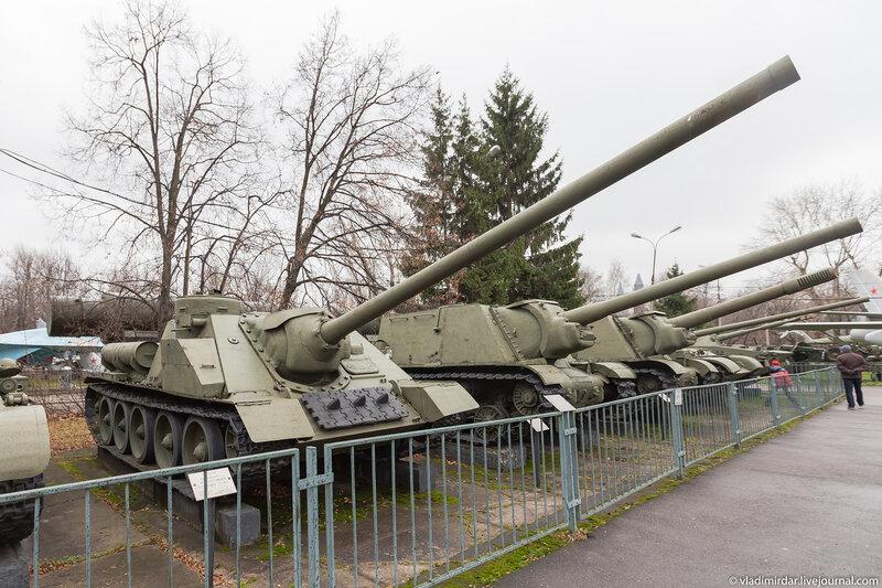 Средняя самоходная-артиллерийская установка СУ-100