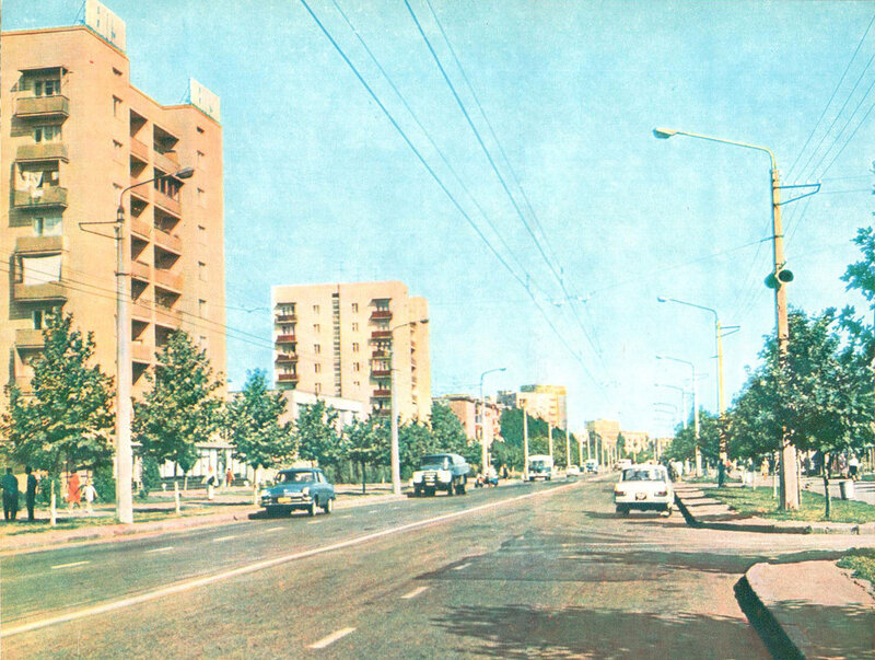 Улица Новоселов