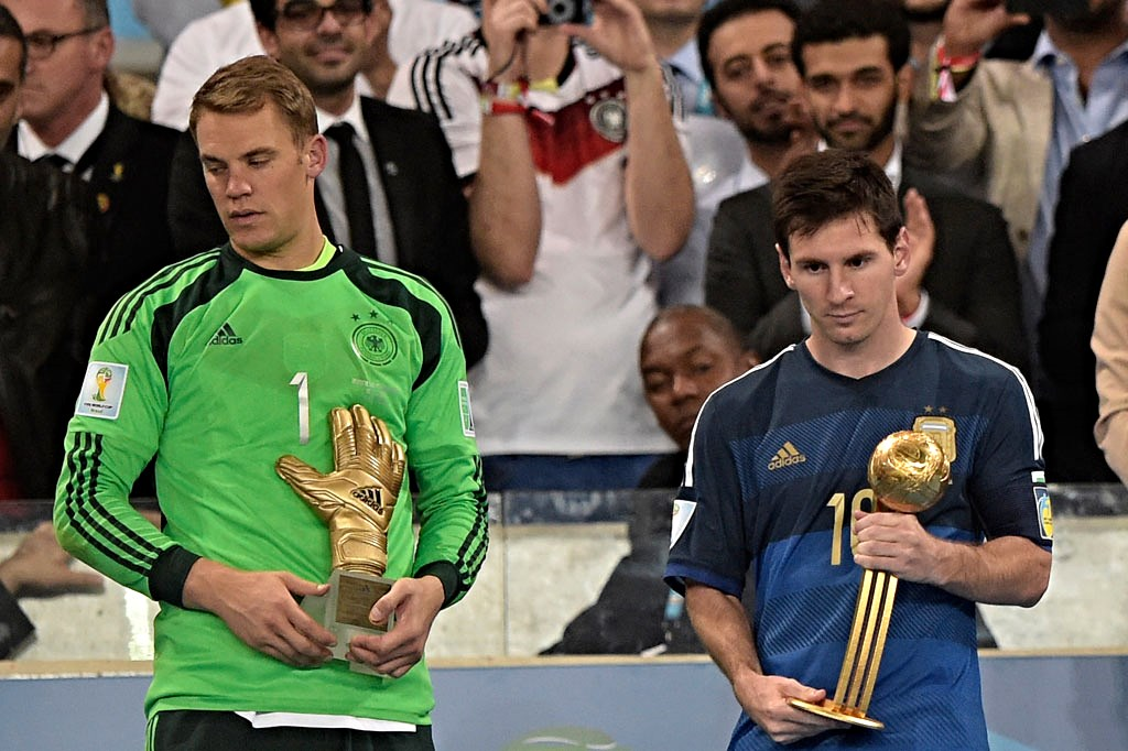 FBL-WC-2014-MATCH64-GER-ARG-TROPHY