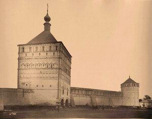 Вид части стены Спасо-Евфимиева монастыря;на первом плане - Большая Проездная башня (постройка 1664 г.). Суздаль г.