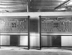 Образцы электроприборов, изготовленных на заводе.