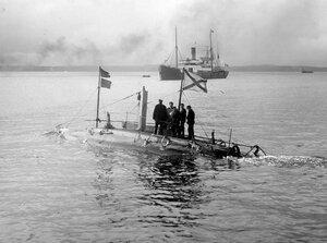 Подводная лодка Дельфин в Финском заливе.