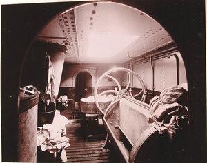 Вид прачечной с механическими приспособлениями для стирки, сушки и глажения белья, устроенной в одном из помещений плавучего госпиталя Орёл.