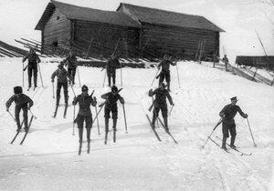 Пограничники - лыжники.