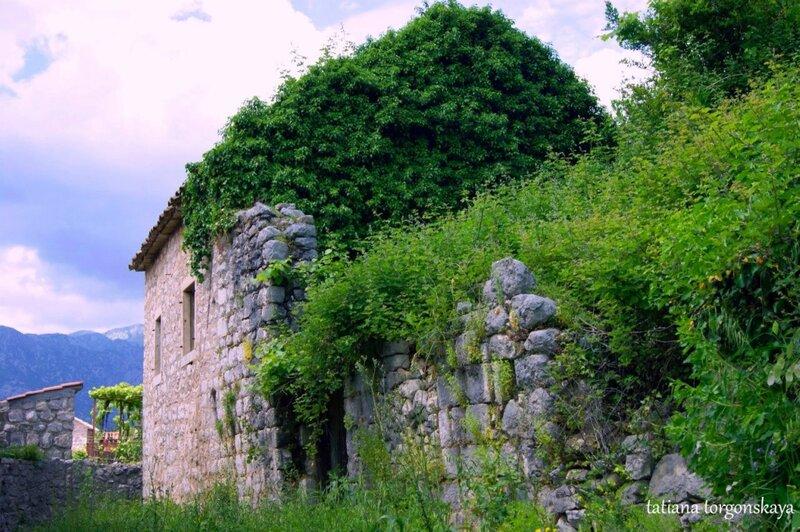 Заброшенный дом в Перасте