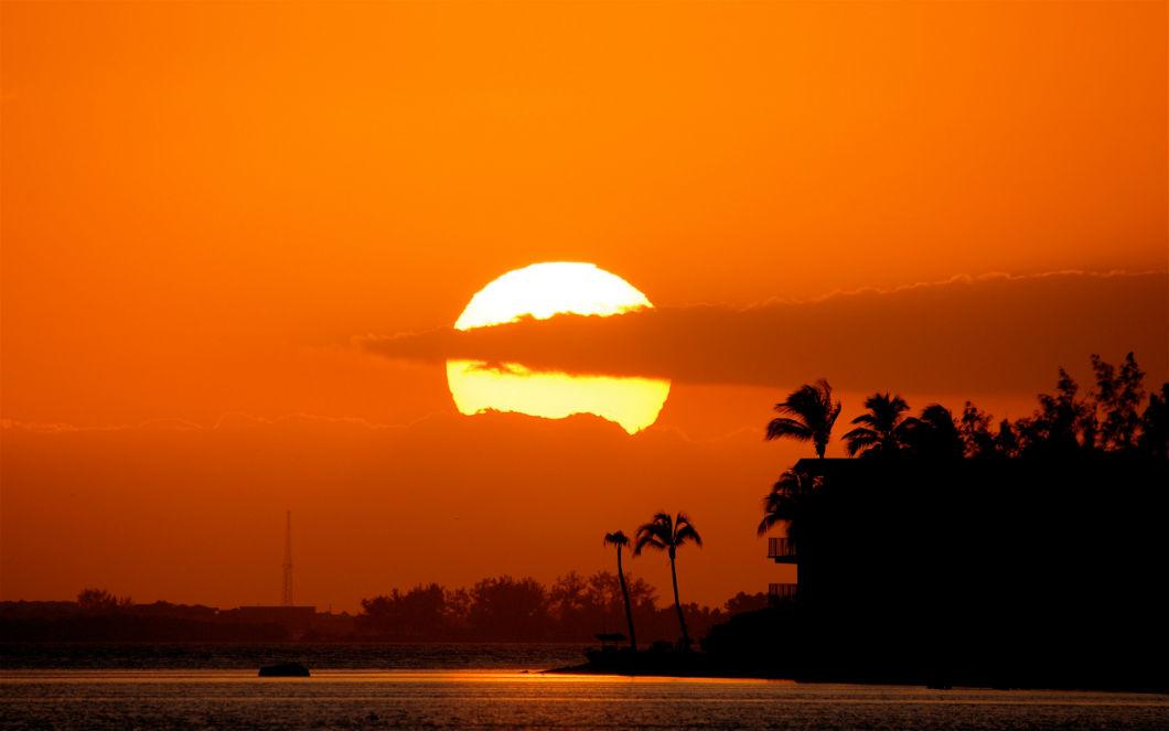 Какого цвета Солнце на самом деле?