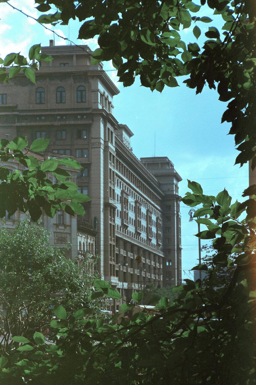 Гостиница «Москва» со стороны Театральной площади