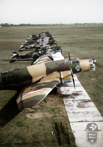 1939 - Kecskem__t_ Rep__l__t__r - El__t__rben Junkers Ju 86K-2_ h__tt__rben Heinkel He 70K rep__l__g__pek _1_2 T__volfelder__t__.jpg