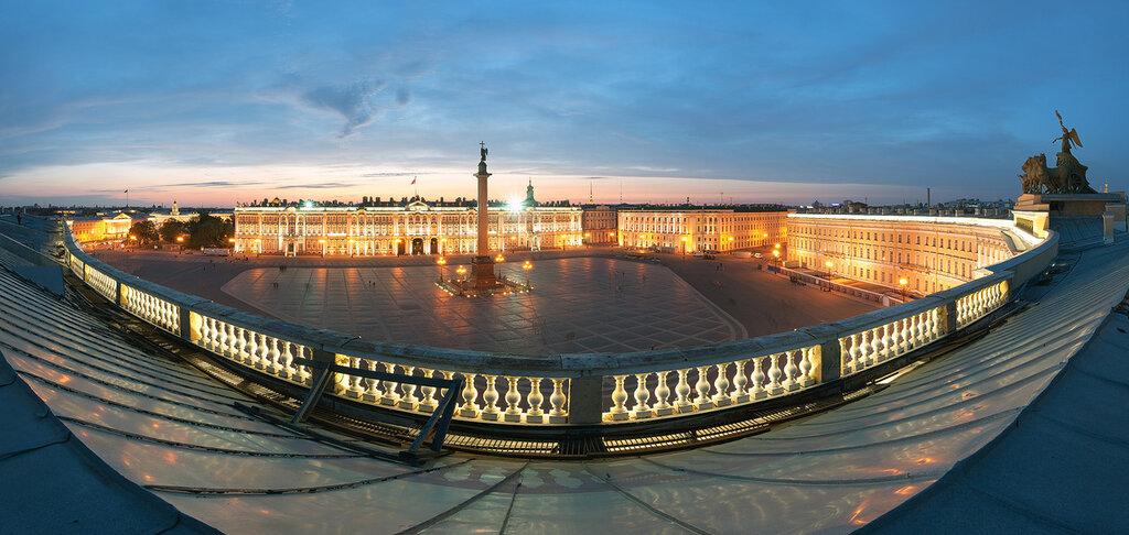Дворцовая площадь.jpg